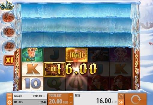 Комбинация с диким символом в игровом автомате Crystal Queen