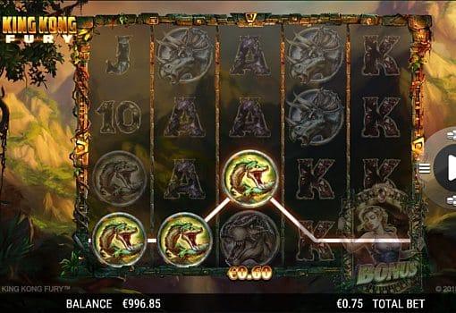 Призовая комбинация символов в игровом автомате King Kong Fury