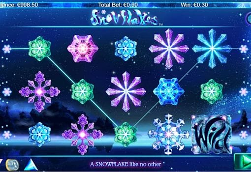 Призовая комбинация на линии в игровом автомате Snowflakes