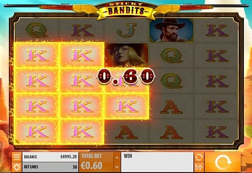 Призовая комбинация символов в игровом автомате Sticky Bandits